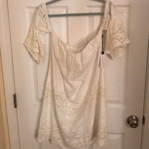 White off the shoulder dress size M